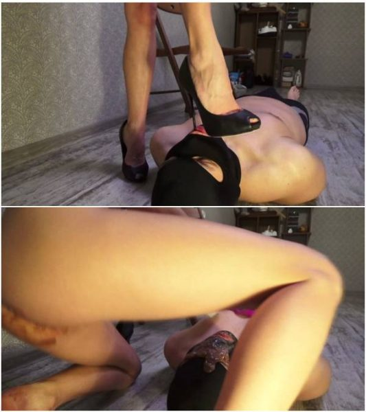 Mistress Emily - Smearing shit from my ass